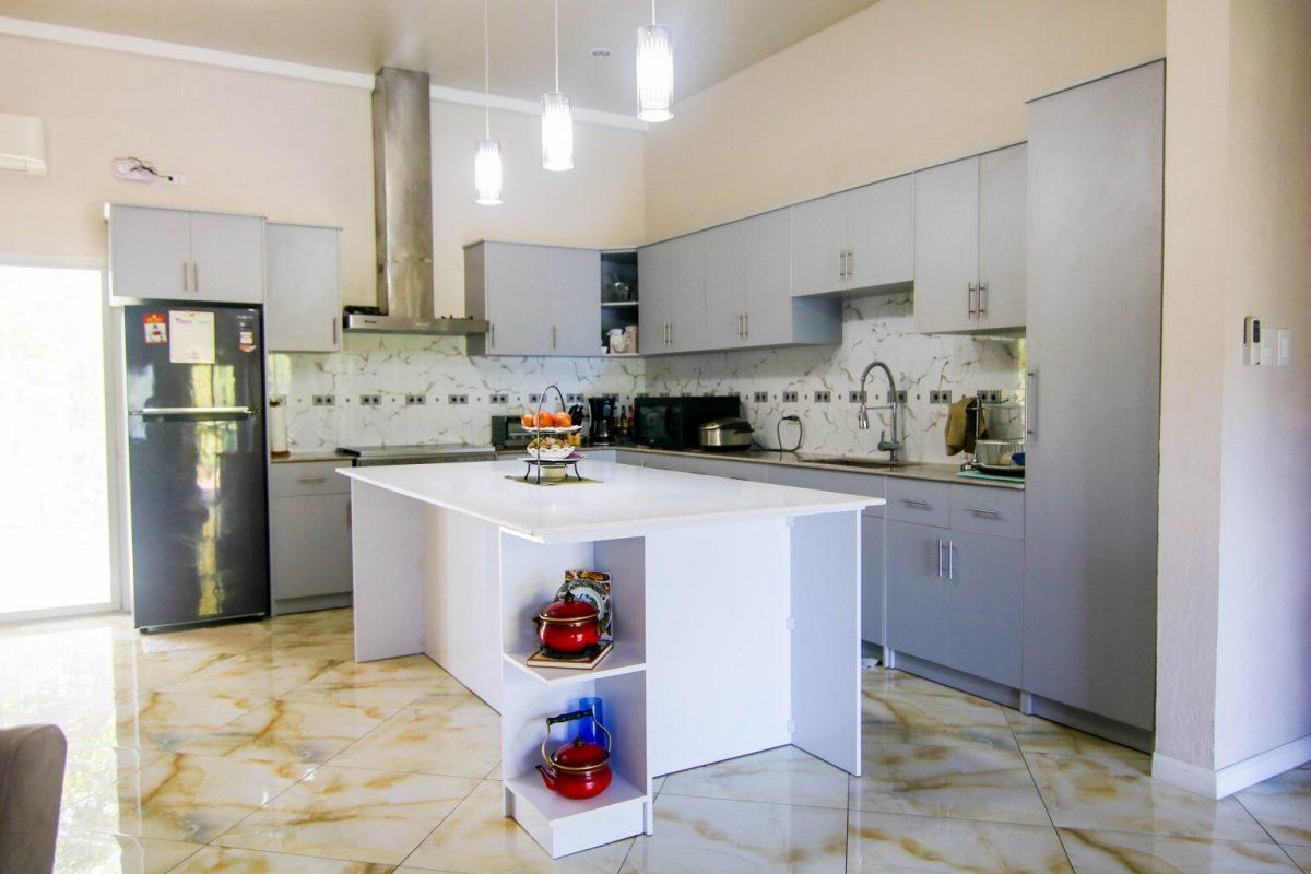gloria kitchen cabinets